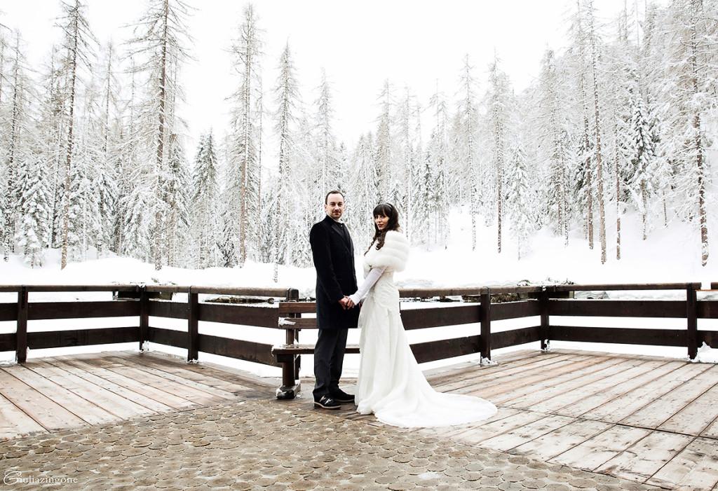 025 giulia zingone fa il fotografo di matrimonio a cortina trieste milano e ha fotografato questo abito blumarine sposa in un winter wedding wonderland